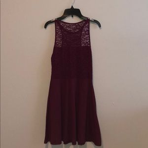 HOLLISTER MAROON LACE DRESS